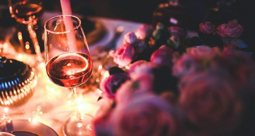 Rosebrownhair: la tendenza 2018 ispirata alla bevanda di Bacco